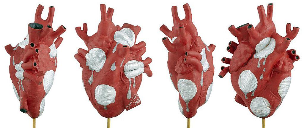 El rojo corazón de latidos derretidos (2019)